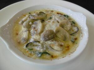 ②牡蠣とホタテのクリームグラタン (1)